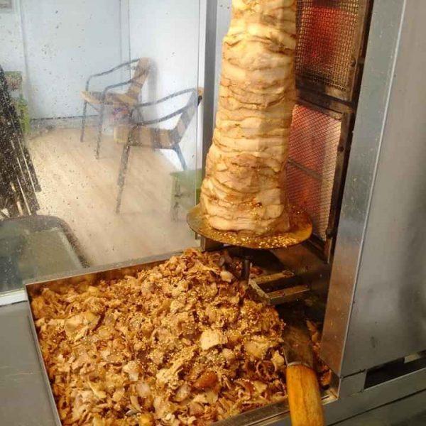 Thịt nướng doner kebab vàng ươm đậm đà