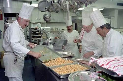 Bếp Nấu Cơm Công Nghiệp Là Gì -3