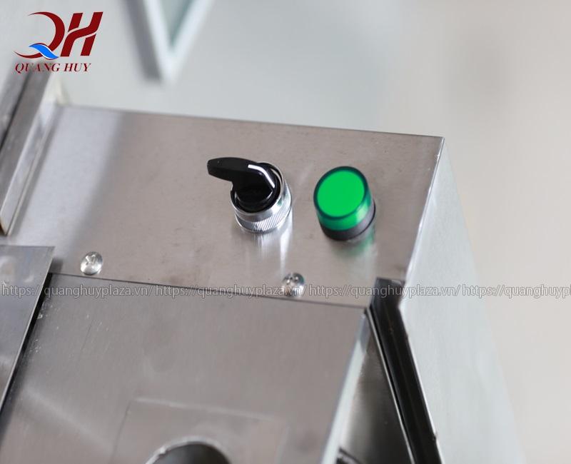Công tắc điều chỉnh của máy ép nước mía