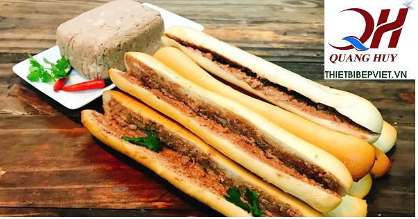 Những chiếc bánh mì que thơm ngon, giòn rụm