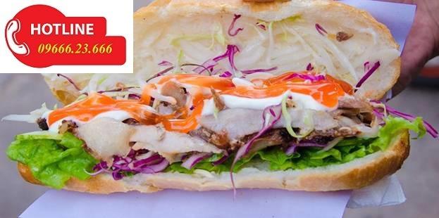 Những chiếc bánh mì thơm ngon ra lò nhờ lò nướng doner kebab