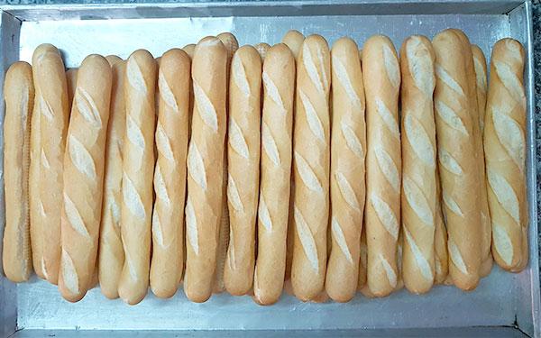 Bánh mì không nhân dạng hình que
