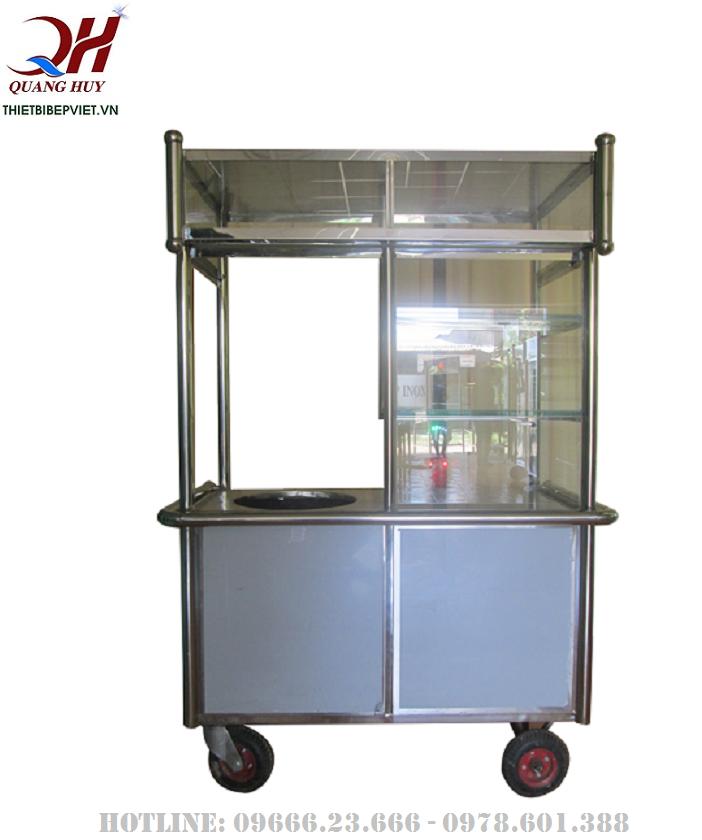 Toàn bộ xe bánh mì chả cá của Quang Huy đều được làm từ Inox
