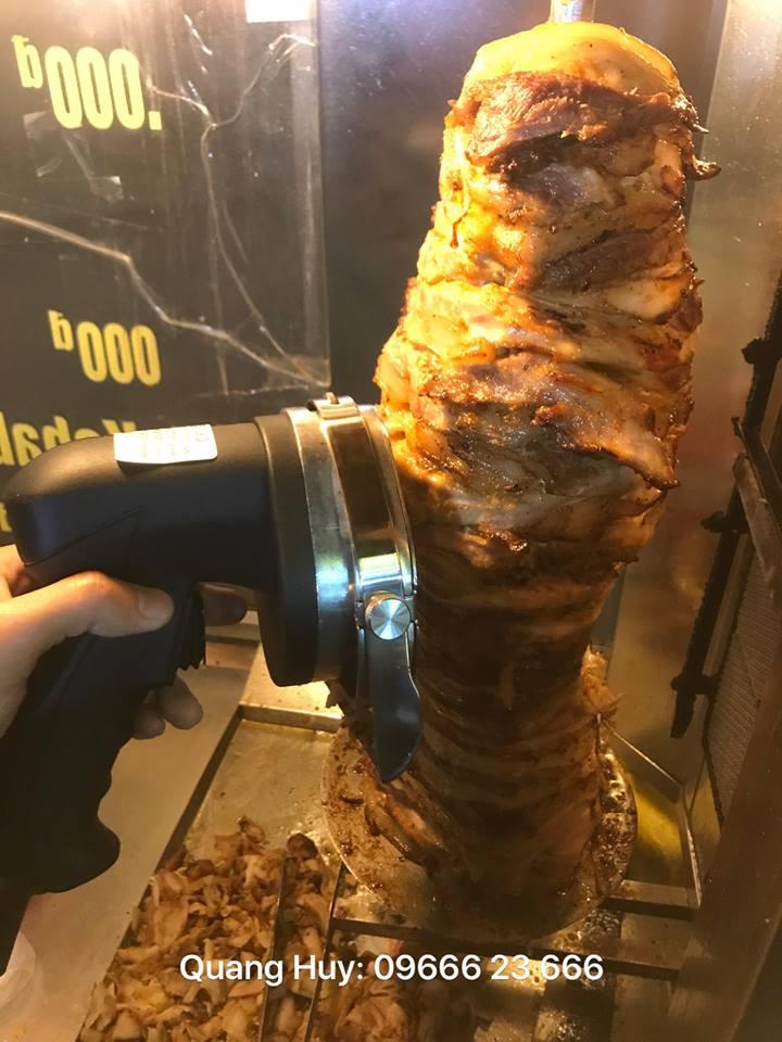 Máy cắt thịt rất cần thiết cho kinh doanh bánh mì Doner kebab