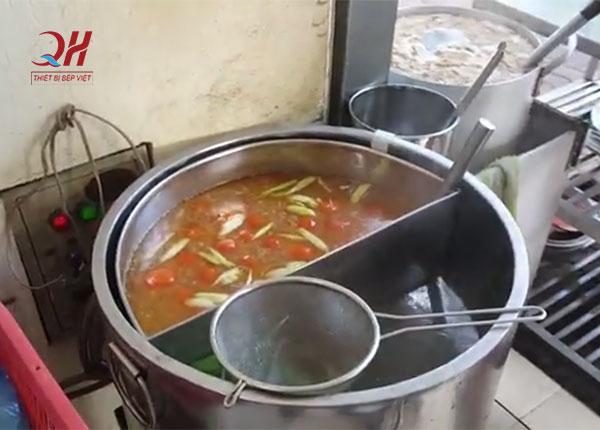 Nồi điện nấu nước phở 2 ngăn tiện dụng