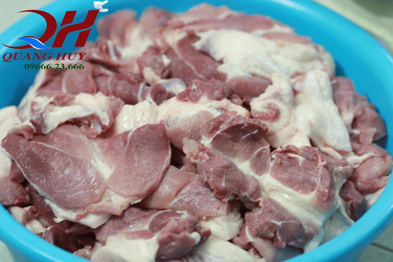 Nguyên liệu để làm nhân bánh mì tam giác kẹp thịt