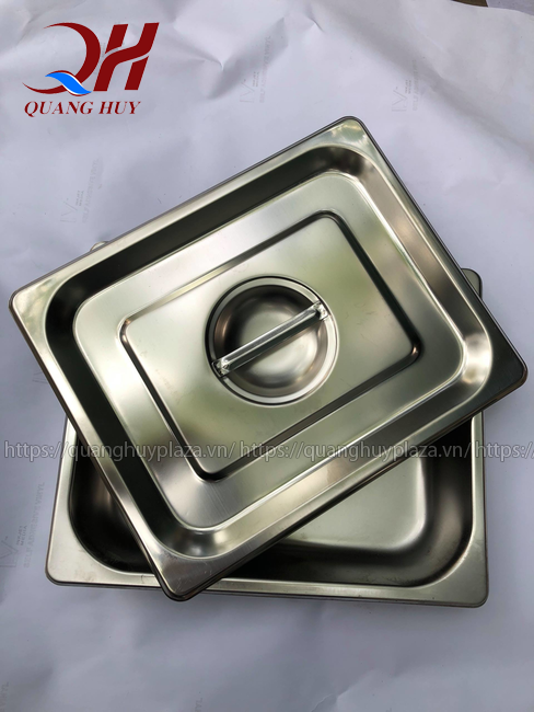 Khay bằng chất liệu inox cao cấp của tủ giữ nóng thức ăn