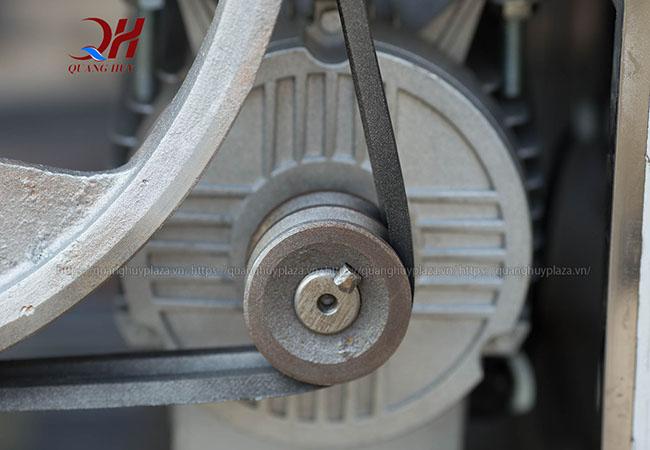 Phần mô tơ máy vặt lông chim cút Quang Huy