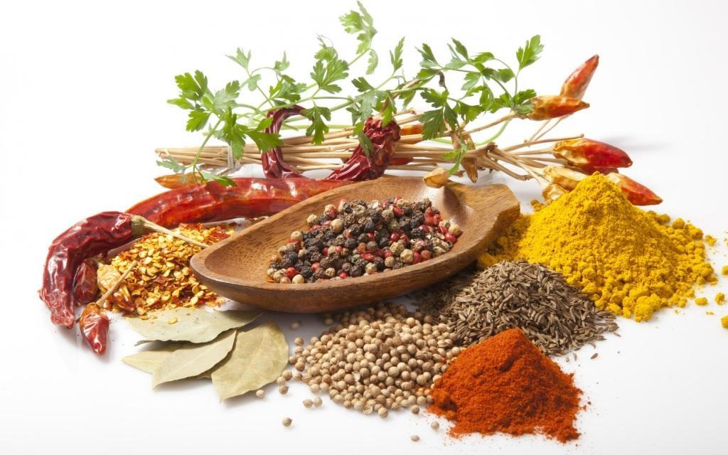Có thể sử dụng gia vị như : hoa hồi, tiêu, bột quế để khử mùi