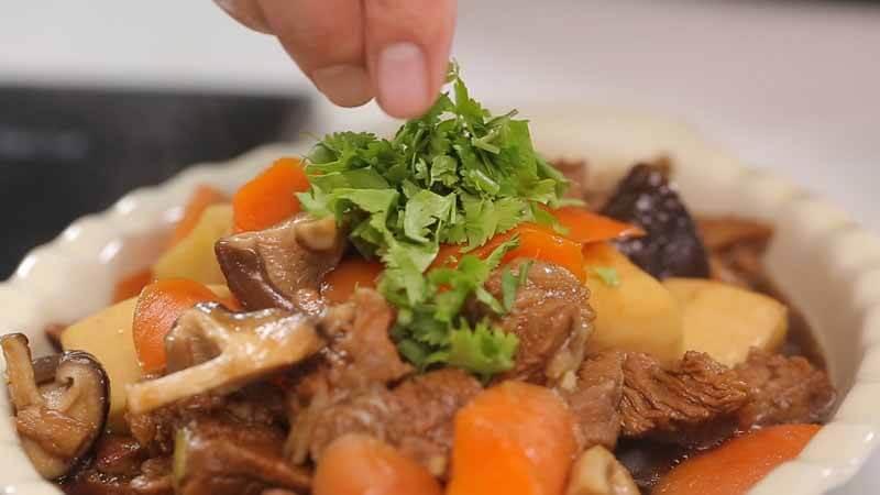 Chế biến thịt dê với món hầm và xào