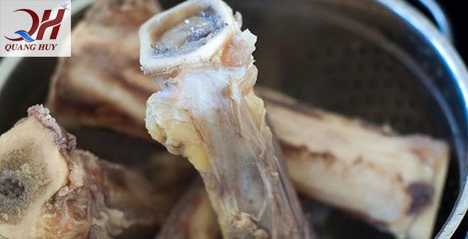 Bí quyết nấu nước hầm xương trong veo từ nồi điện nấu nước phở
