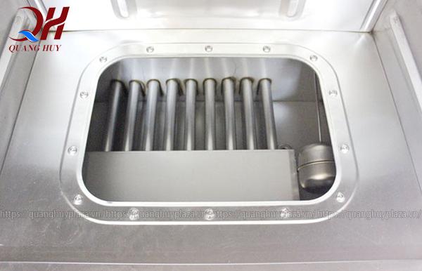 Bạn sẽ tiến hành kiểm tra kỹ thuật tương tự như tủ nấu cơm bằng điện