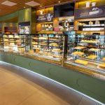 Tủ trưng bày bánh kem cửa hàng