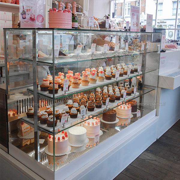 Tủ trưng bày bánh kem, bánh sinh nhật, bánh ngọt