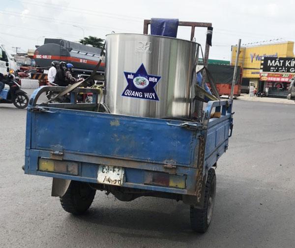 Quang Huy giao nồi điện nấu phở Toàn quốc, hỗ trợ chi phí vận chuyển