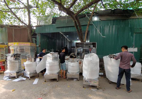 Xưởng gia công nồi phở điện, xe bánh mì, máy vặt lông gà Quang Huy