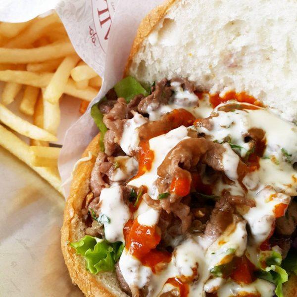 Bánh mì Doner Kebab quận Tây Hồ Hà Nội với hương vị châu Âu