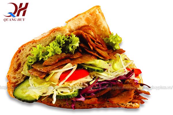 Những chiếc bánh mì đầy ú nụ thịt tại tiệm bánh mì tuli bread