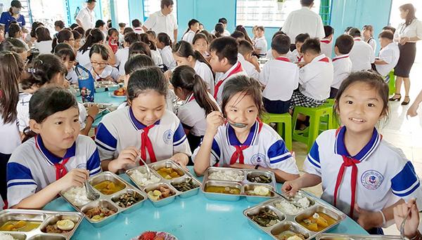 Phù hợp với các phòng bếp có số lượng suất ăn khoảng 50 người