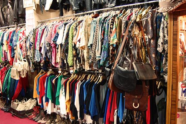 Kinh doanh áo quần tại quê đang rất phát triển