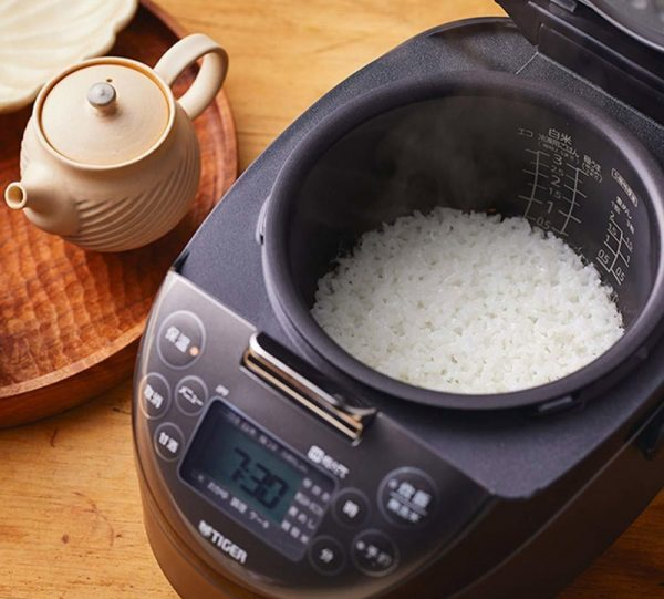 Nấu cơm điện là cách nấu phổ biến nhất hiện nay