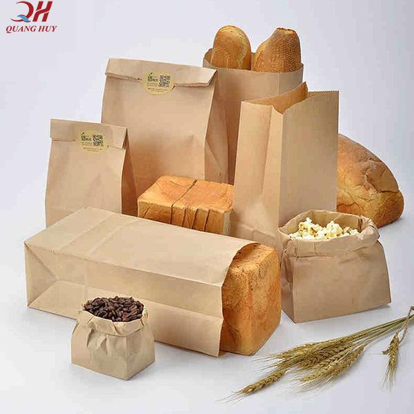 Bánh mì đựng trong túi giấy rất đảm bảo và hợp vệ sinh