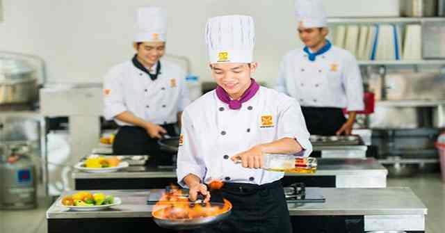Khóa học dạy nấu ăn sẽ giúp việc mở quán cơm diễn ra thuận lợi