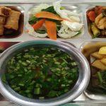 Suất cơm công nghiệp đầy đủ tại công ty Tâm Phước Thành