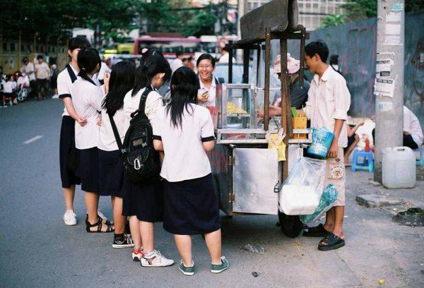 Kinh doanh đồ ăn vặt cho học sinh, sinh viên