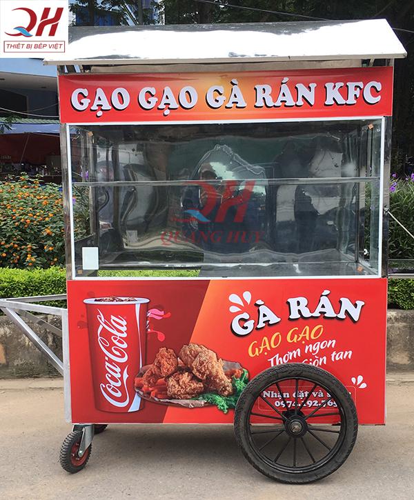 Xe bán gà rán do Quang Huy sản xuất và phân phối