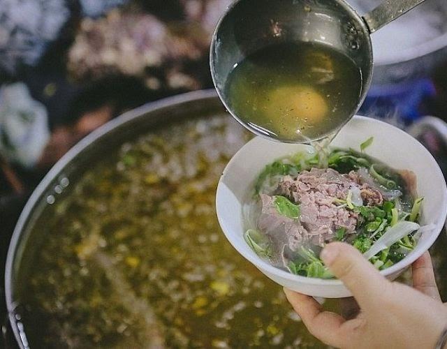 Nồi nấu phở 50 lít chứa được khoảng 30 - 40 lít nước dùng