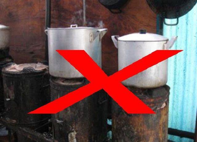 Sử dụng bếp than nấu phở rất độc hại